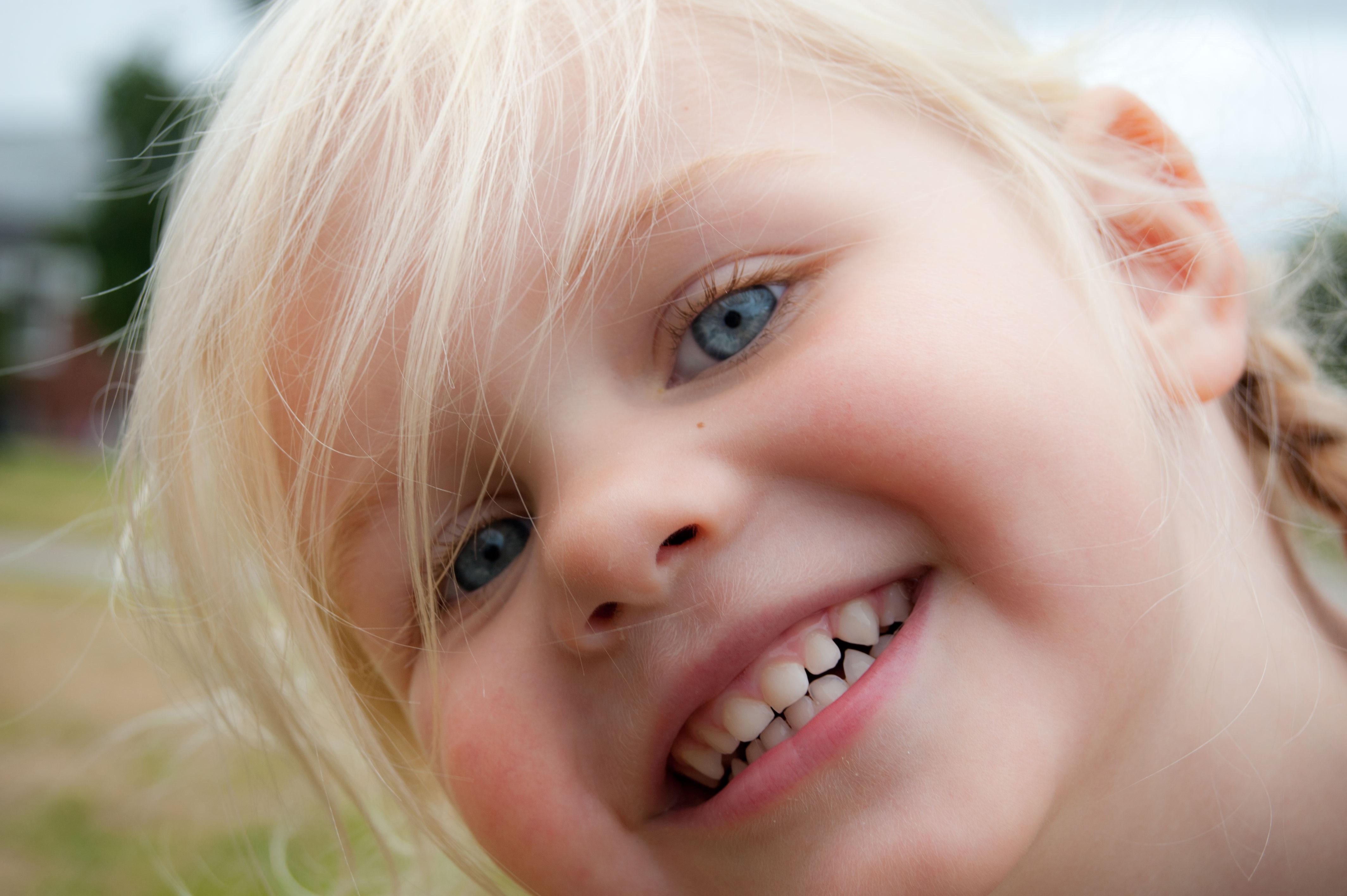 Улыбчивый ребенок картинки